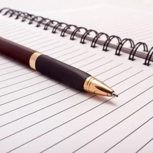 定期的に感想文が書けない時があります。