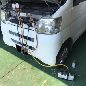 ダイハツ ハイゼット エアコン修理!