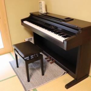 2歳の娘のため、ピアノを独学しています!