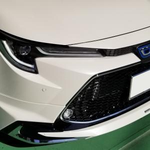 カローラツーリング 4WD ZWE214W 入庫いたしました!!