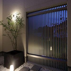設計の工夫とデザインの感度と勘所・暮らしの空間の内側外側で印象を意識する「フォーカルポイント」デザイン、部屋のイメージや認識が良い意味で上質に上品に和の繊細な細工の考え方で。