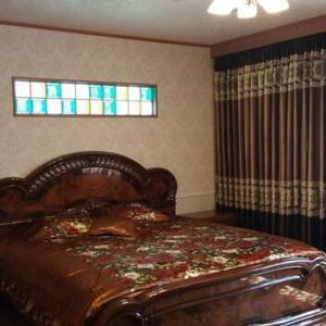 寝室・ベッドルームの間取りへのレイアウトと設計デザインの工夫はそれぞれの暮らしに対してのリラックスタイムのイメージを具現化するように素材と雰囲気のインテリアデザインを大切に。
