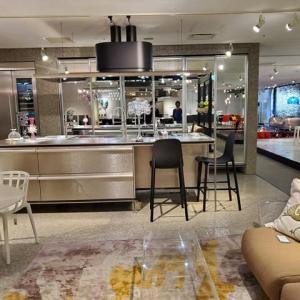 設計の事、デザインの事、暮らしと間取り、過ごし方の質的改善とキッチン周辺の空間が持つ使い勝手と不便の範囲を意識的に知る事は大切、設計デザインの感度で変化する暮らしの質と居心地の違い。