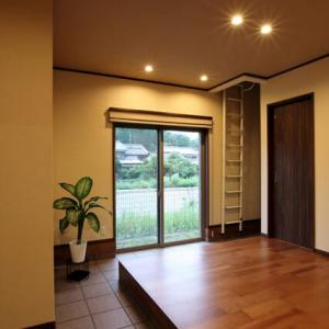 廊下と間取りの距離感を丁寧に・・・暮らしの空間として距離感のあるデザイン設計は大切、間取りの中に廊下の存在、融合する機能と活用方法を適切に組み込む事で有意義な空間に。