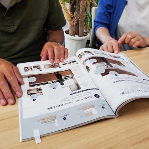 暮らしの環境改善を目的に・・・住まいのリノベーション計画で住まい手さんとの打ち合わせをアトリエにて、設計デザインに入る前の段階に暮らしの方向性を紐解く情報の整理整頓。