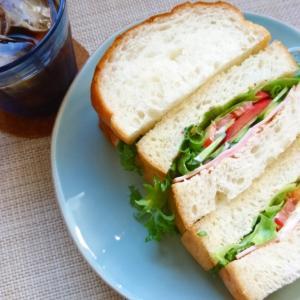 「ハムと野菜のサンドイッチ」と朝から暑い時の朝ごはん問題。