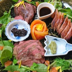 肉盛りディナーを堪能。