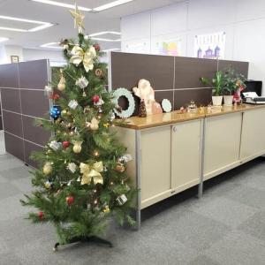 【スタッフの部屋】オフィスがクリスマスの装い (ヘルメス・ジャパン株式会社)