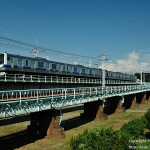 宇都宮線 鬼怒川橋梁を渡る車両たち