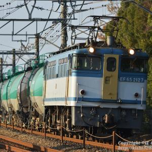 運だめしの石油臨貨(8876列車) EF65 2127