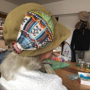 ビーズ刺繍とアリワーク  、、生徒作品
