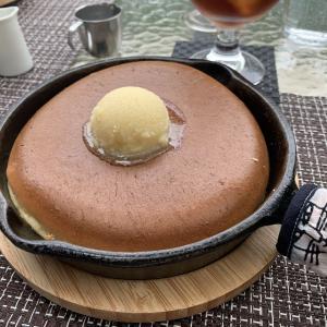 憧れのナチュラルガーデンで食べる、山形市「ミツバチガーデンカフェ」のしっとりふわふわパンケーキ。
