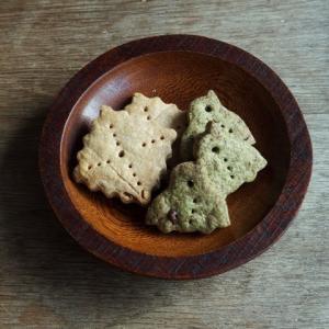 ピーナッツバタークッキーと緑茶クッキー