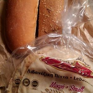 キプロスのパンは安くて美味しい。