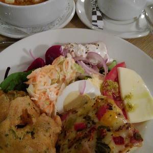キプロス紀行 ~ レストラン・POSEIDON でビュッフェの夕食。