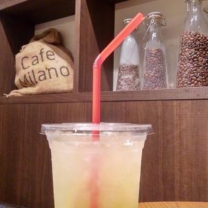 Cafe Milano の「 フレッシュレモネード 」。
