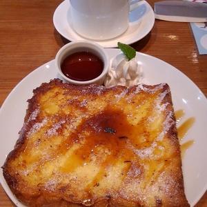 「 10° CAFE 」のフレンチトーストには愛が有った。
