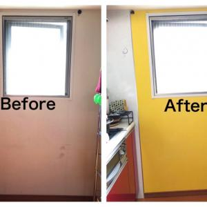 【DIY】キッチンの壁紙に、水性ペンキを塗ってみた。明るくなった!