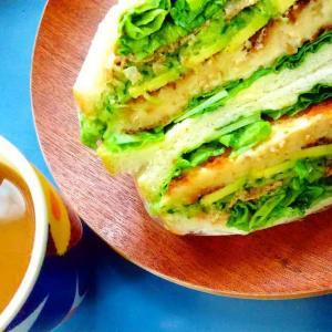 朝は色がきれいなものを食べてからいい気分で仕事へGO