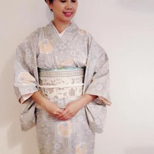 先日の着物コーデは、母から譲りうけた白大島紬を着て