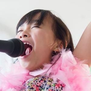 英語は歌で教えるのが効率的!