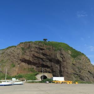 オロンコ岩登頂