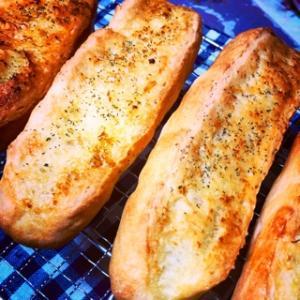 【パン作り】気軽にガーリックフランス