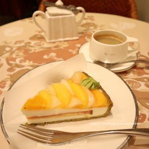 2色の桃とはちみつヨーグルトムースのタルト♡キルフェボン