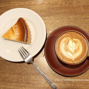 ベイクドチーズケーキとカフェラテと1周年記念と♡cafe634