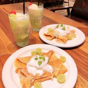 シャインマスカットとクレームダンジュのパンケーキ♡j.s. pancake cafe