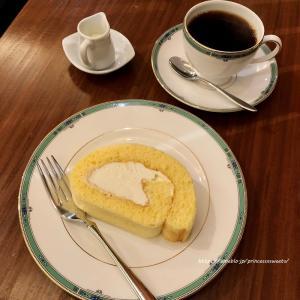 ロールケーキとウエストジャワ♡茶豆珈琲