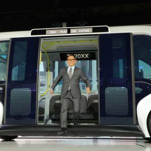 トヨタ豊田社長、未来の車「AI進化で人と心通わせる」