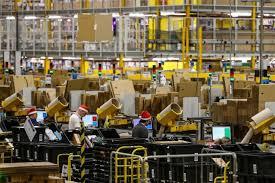トランプ、Amazonを「模倣品市場」リスト入り検討