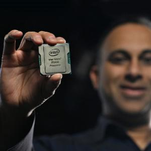 Intel、10nmで製造される最大24コアの「Atom P5900」