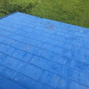 バーベキュー場の屋根を塗り替え