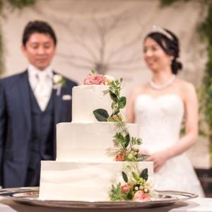 【ウェディングケーキ】バラのカラードリップ