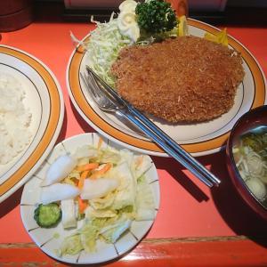 寿邦園は中華料理店だけどとんかつ定食の人気が高いらしいよ