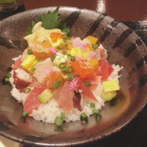 田端 日乃本食堂 でバラちらし丼