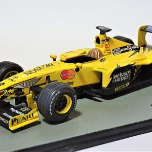 F1マシンコレクション ジョーダン199/無限ホンダ に自作デカールを貼る