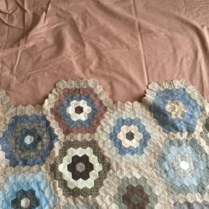 おばあさんの花園(28) 〜 ボーダーの布〜