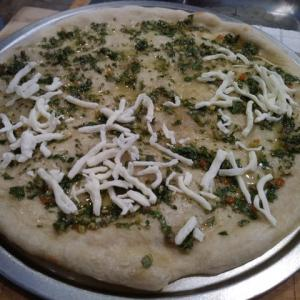 SALSA VERDEを使って早速ピザを焼きました♪