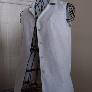 ノースリーブシャツを縫い上げました♪