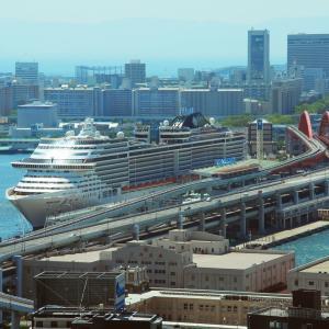 MSCスプレンディダ MSC SPLENDIDA [神戸ポートターミナル4Q1/4Q2を出港]