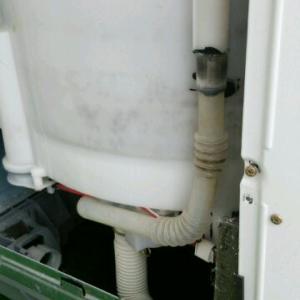 洗濯機の水がたまらない。修理してみた(手順あり)