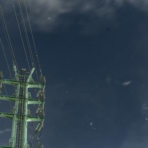 鉄塔と星空の星景写真と動画を2本