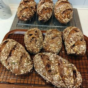 今日も大量のパンを焼いた日!今日のパンは特別です!