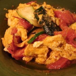 【レシピ】トマトと夏野菜のオリーブオイルソテー