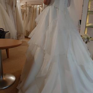 40年の人生で初めてのウェディングドレス~パートナーシップを支えるフレンドシップ~