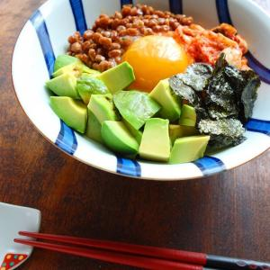 簡単3分♡アボカドキムチ納豆丼【#美肌 #発酵食品 #腸活】