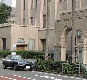 ジャガー Eタイプで横浜赤レンガ倉庫のヒストリックカーディに参加。